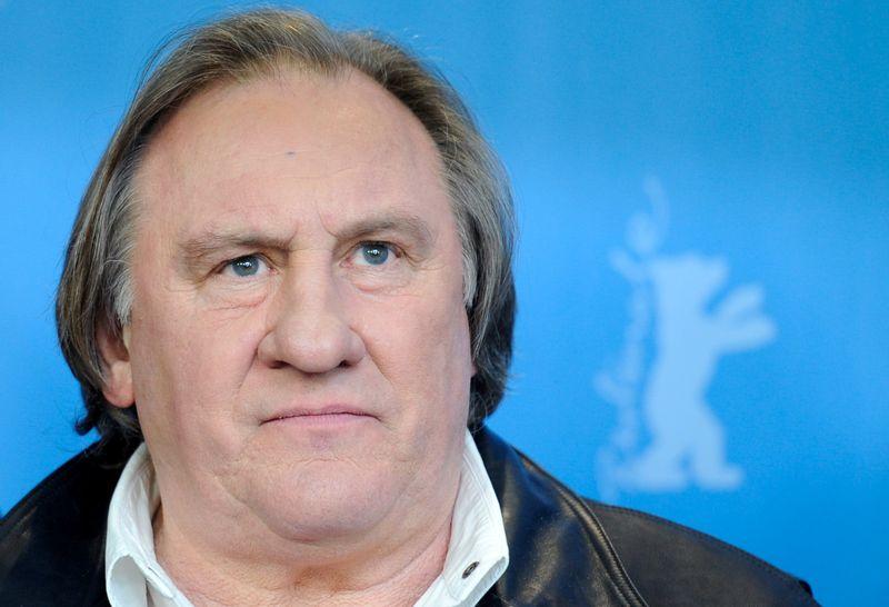 Gerard Depardieu está sendo investigado por violência sexual, diz fonte judicial