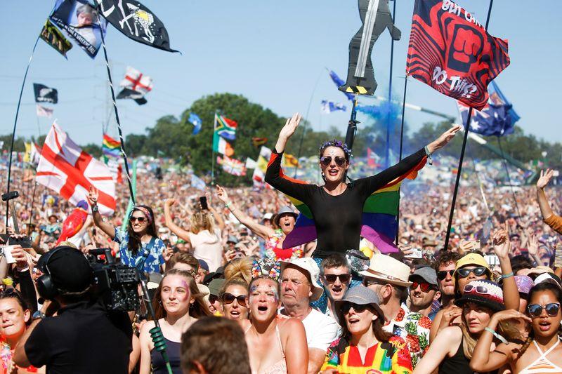 Festivais de música de cidades inglesas Reading e Leeds voltarão no verão