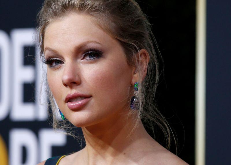 Taylor Swift, Cher e Tim Cook pedem ao Senado que aprove lei de proteção para LGBT+