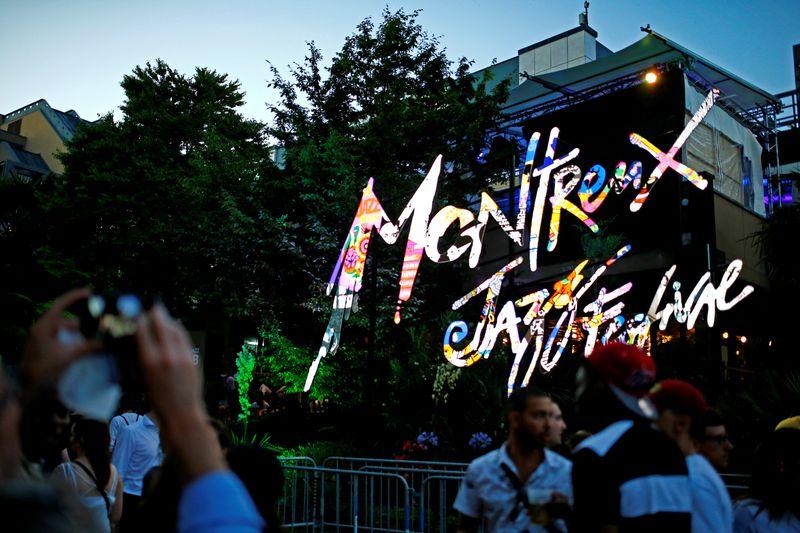 Palco sobre as águas marca volta do Festival de Jazz de Montreux