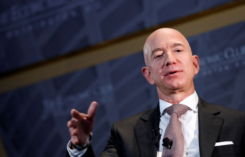 Bezos e Musk lideram lista de bilionários da Forbes