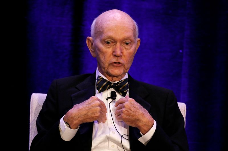 """Michael Collins, o astronauta """"esquecido"""" da Apollo 11, morre aos 90 anos"""