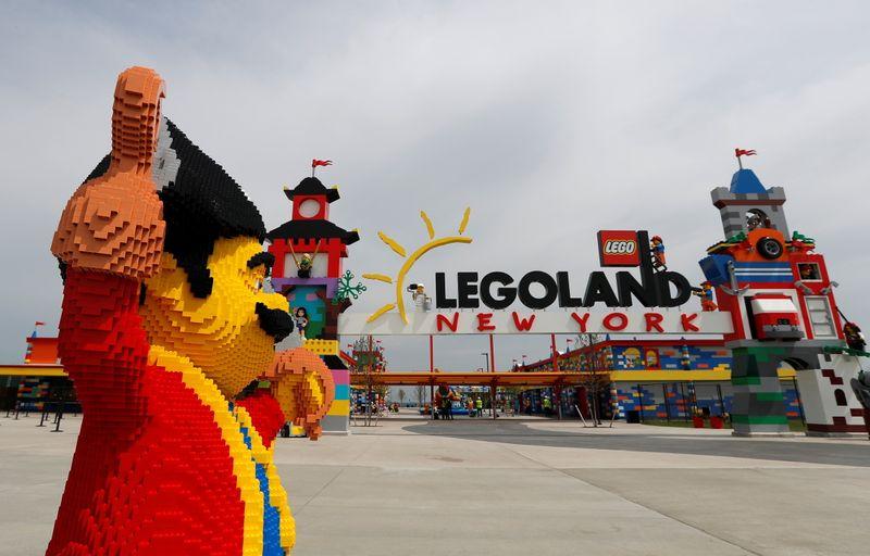Bloco após bloco, Legoland de Nova York prepara abertura