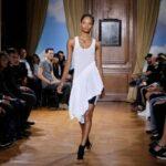 Paris retomará desfiles de moda em julho após longa paralisação pela Covid
