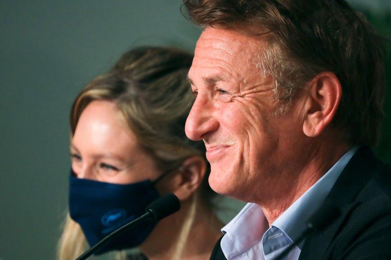 Atuando ao lado da filha, Sean Penn explora laços familiares em filme que concorre em Cannes