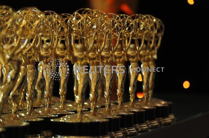 """""""The Crown"""" e """"Mandalorian"""" lideram indicações ao Emmy"""