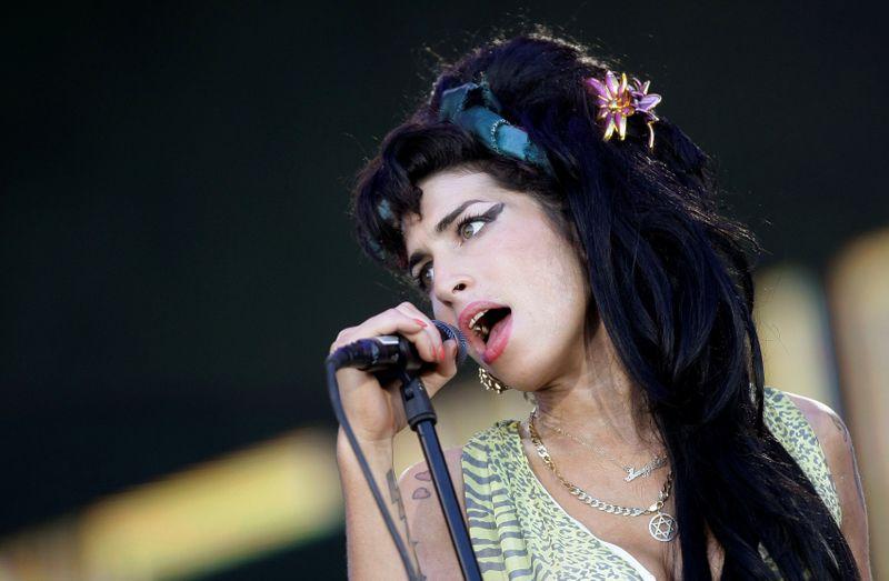 Novo documentário marca 10 anos da morte de cantora Amy Winehouse