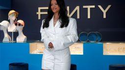 Cantora Rihanna é oficialmente uma bilionária, diz Forbes
