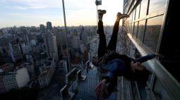 Mirante de vidro em arranha-céu de São Paulo põe à prova medo de altura