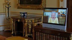 Rainha Elizabeth tem primeiro compromisso oficial após internação hospitalar