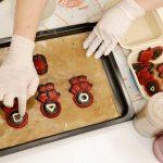 """Estúdio de culinária da Coreia do Sul cria cookies para cães inspirados em """"Round 6"""""""