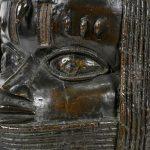 Universidade escocesa devolve Bronze do Benin saqueado à Nigéria