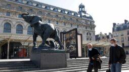 Museus de Paris se preparam para receber visitantes após interdições da Covid