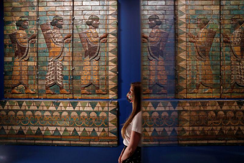 Exposição sobre Irã exibe 5 mil anos de artefatos em museu de Londres
