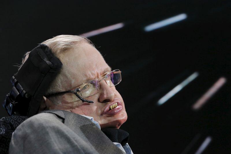 Escritório e arquivos de Stephen Hawking serão preservados no Reino Unido