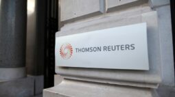 Reuters e New York Times vencem Pulitzer com reportagens sobre policiamento nos EUA e Covid-19