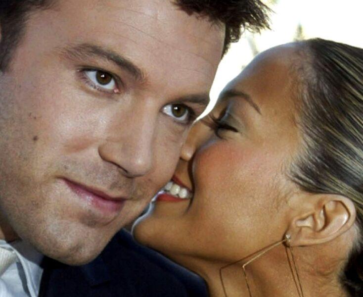 """Jennifer Lopez e Ben Affleck são fotografados aos beijos em volta do casal """"Bennifer"""""""