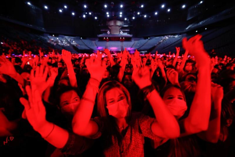 França permitirá reabertura de clubes noturnos em julho, diz ministro