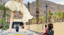 Estátua de Marilyn Monroe volta a Palm Springs sob aplausos e críticas