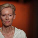 Tilda Swinton dá vida a figurinos de Pasolini em apresentação em Roma