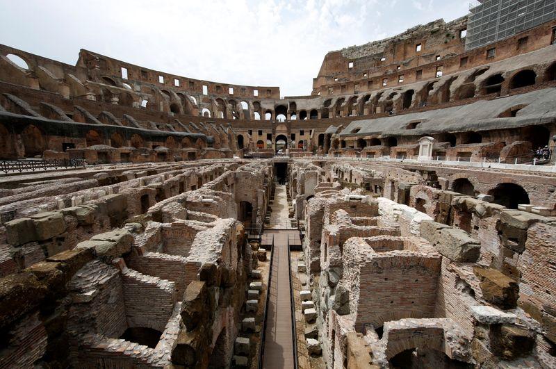 Visitantes do Coliseu voltam a perambular entre fantasmas de leões e gladiadores