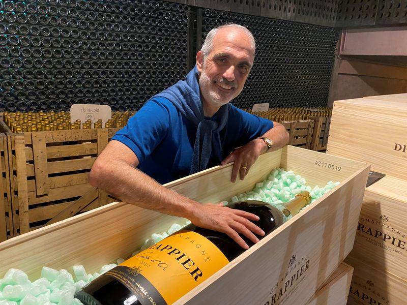 Fabricante de champanhe francês: não podemos deixar a Rússia jogar água na nossa marca