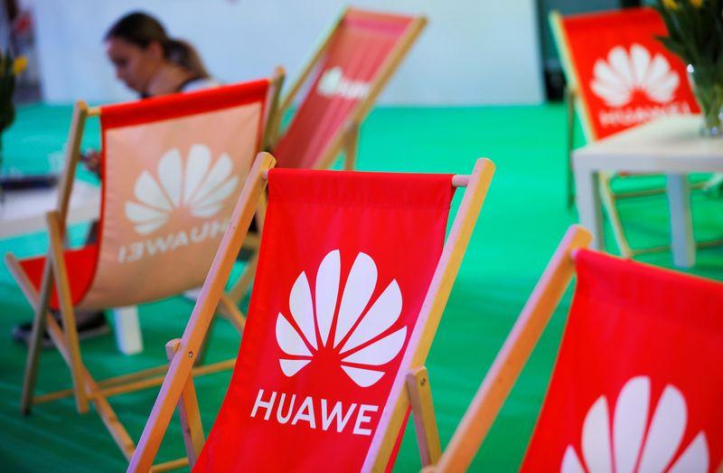 Pompeo se diz confiante de que Huawei terá concorrentes ocidentais
