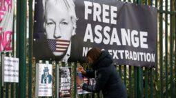 Trump perdoaria Assange se ele informasse fonte de vazamento de emails democratas, diz advogada