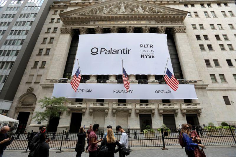 Empresa de análise de dados Palantir dispara em estreia em NY, avaliada em US bi