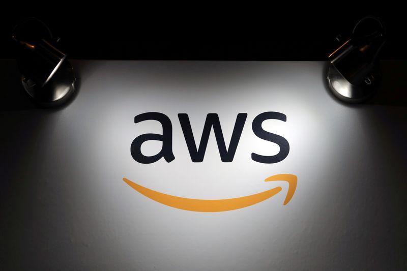 Parler processa Amazon por tirar site do ar, cita violação antitruste