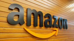 Amazon processa reguladores da UE por permitirem prosseguimento de caso italiano