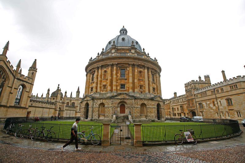 Oxford diz que pesquisa não foi afetada após alerta de ataque hacker em laboratório de Covid