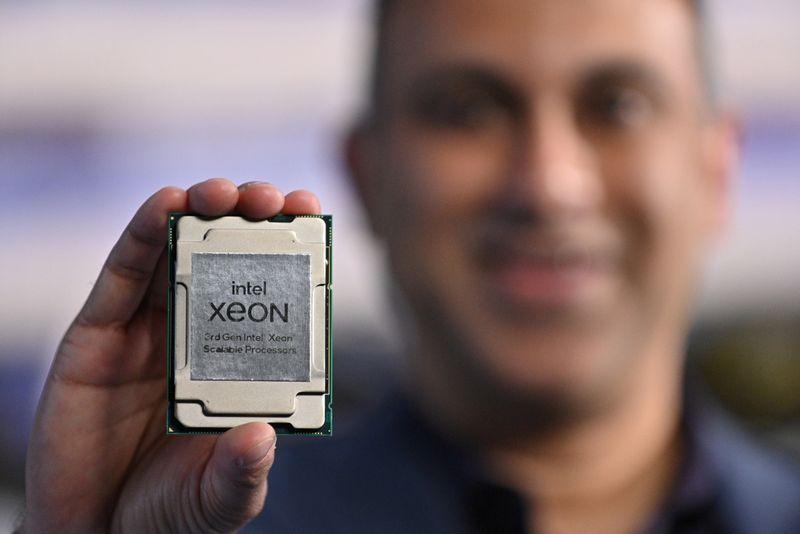 Intel busca vantagem em cadeia de produção com novo chip para data centers