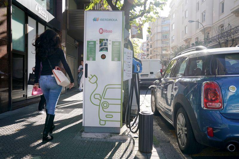 Espanha terá 800 mi de euros para subsidiar venda de carros elétricos até 2023