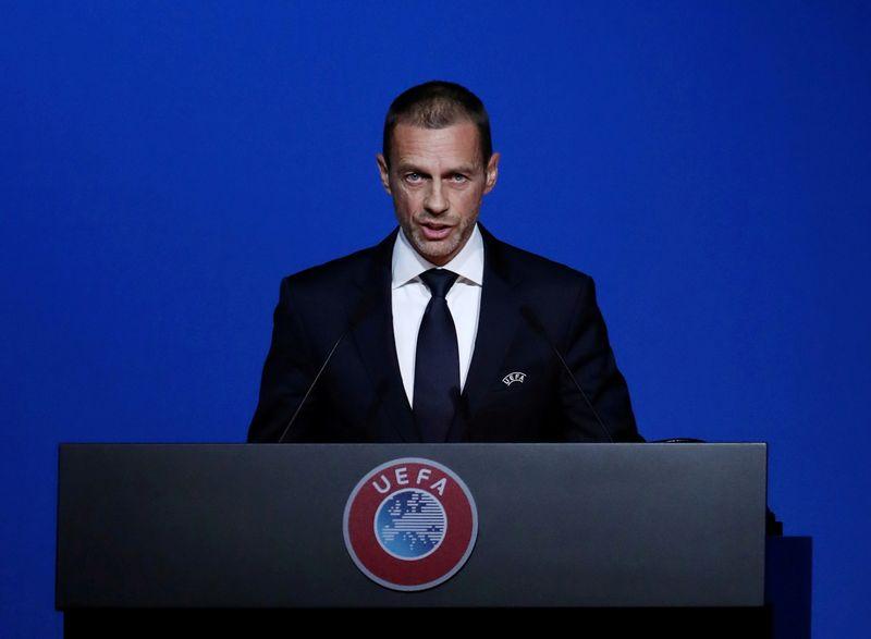 Uefa se une a boicote de redes sociais em meio a protesto crescente contra ofensas