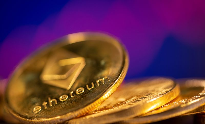 Ethereum supera US mil e atinge nova máxima