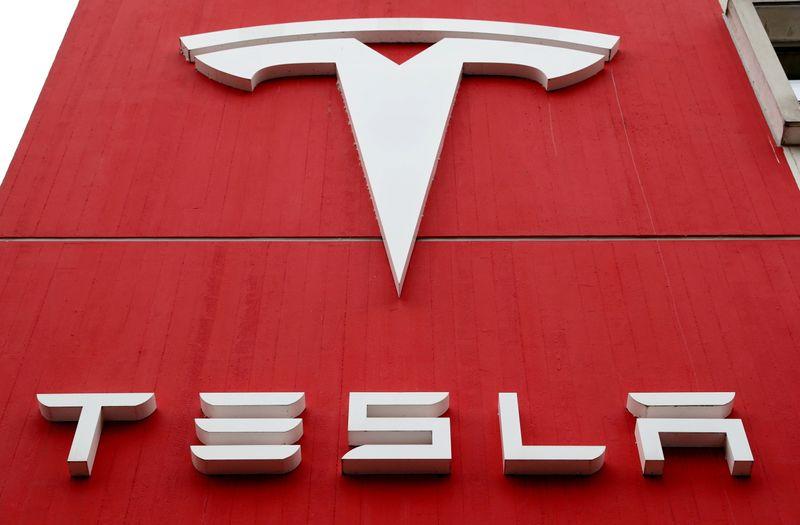 Tesla lançará tecnologia de direção autônoma aprimorada nas próximas semanas