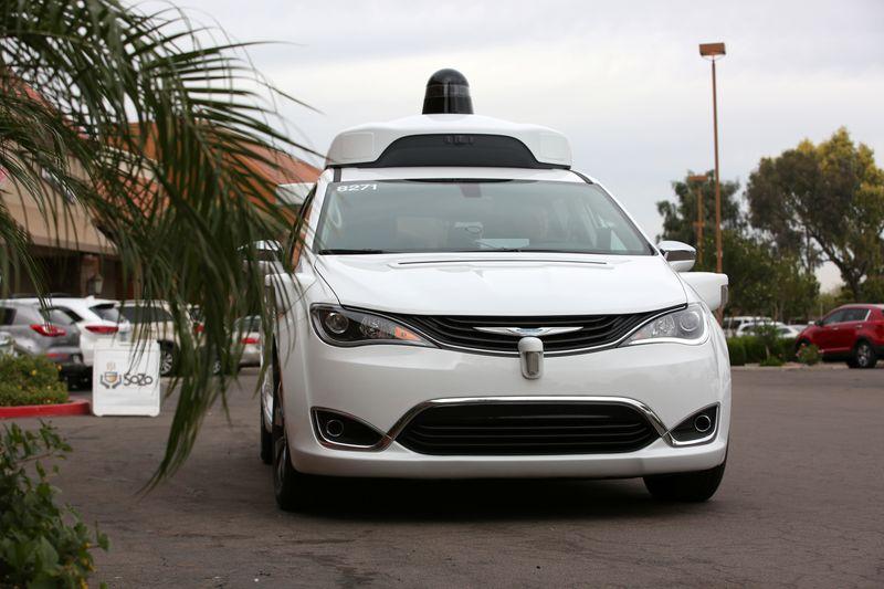 Waymo e Cruise pedem aval para cobrar por viagens de carro autônomo em San Francisco