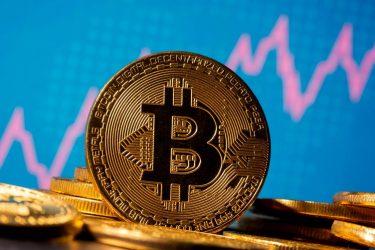 Bitcoin registra 2ª semana seguida de saída de recursos, diz CoinShares