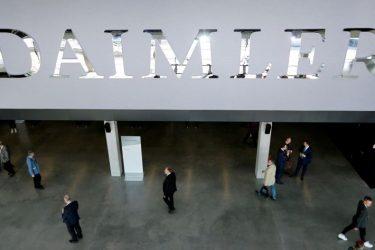 Daimler prevê que falta de chips dure até 2022