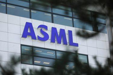ASML eleva previsão de vendas em 2021 em corrida para aumento de capacidade de chips