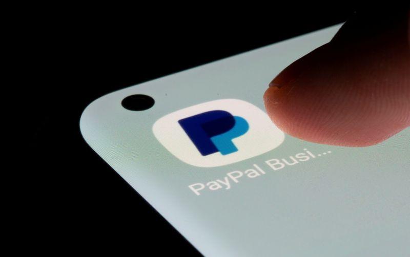 PayPal investigará transações que financiam grupos de ódio e extremistas