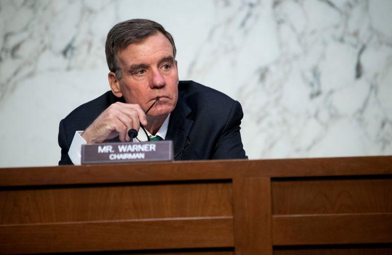 """Iniciativa do Facebook para cortar acesso de pesquisadores é """"preocupante"""", diz senador"""