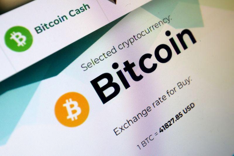 Bitcoin afunda e mercado de criptomoedas perde quase US$1 tri
