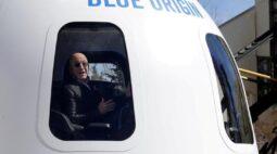 Lance de US$28 mi vence leilão para viagem ao espaço com Jeff Bezos