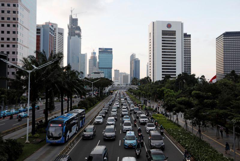 Indonésia quer vendas de apenas motos e carros elétricos até 2050