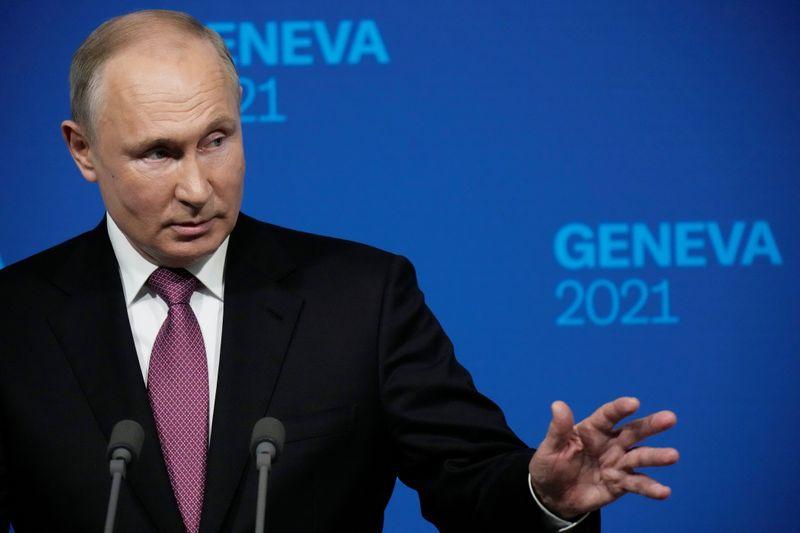Biden e Putin concordam em iniciar consultas sobre segurança cibernética