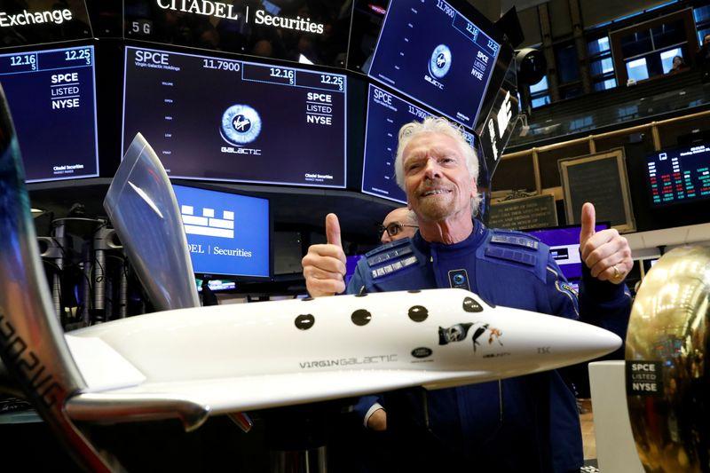 Richard Branson viajará ao espaço a bordo do foguete da Virgin Galactic