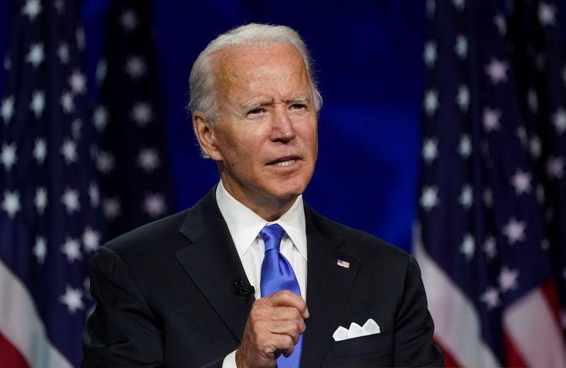 Biden não obtém ganho de aprovação após convenção democrata, diz pesquisa Reuters/Ipsos