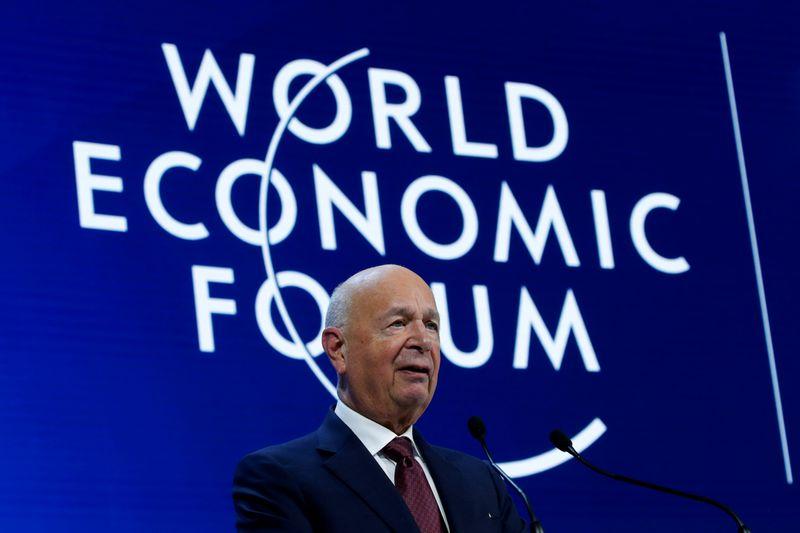 Fórum Econômico Mundial de 2021 é adiado por coronavírus